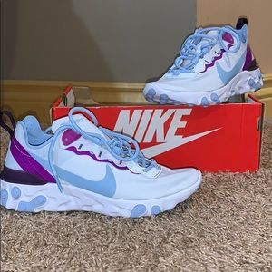 Nike Shoes - Women's Nike shoes elements 55 BRAND NEW